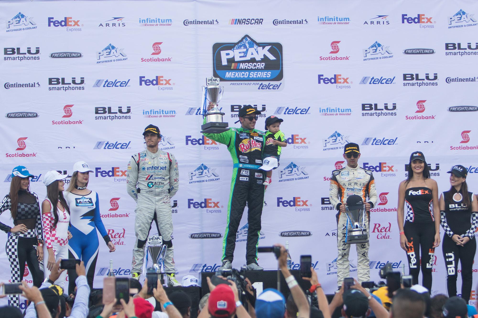 Puebla es para Rubén Rovelo en NASCAR México - Carreras en Vivo